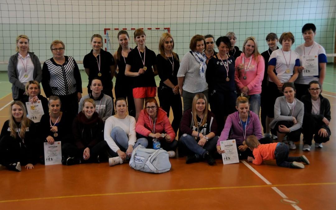 """Wyniki IX Turnieju Piłki Siatkowej Kobiet """"z siatką… nie po zakupy"""""""