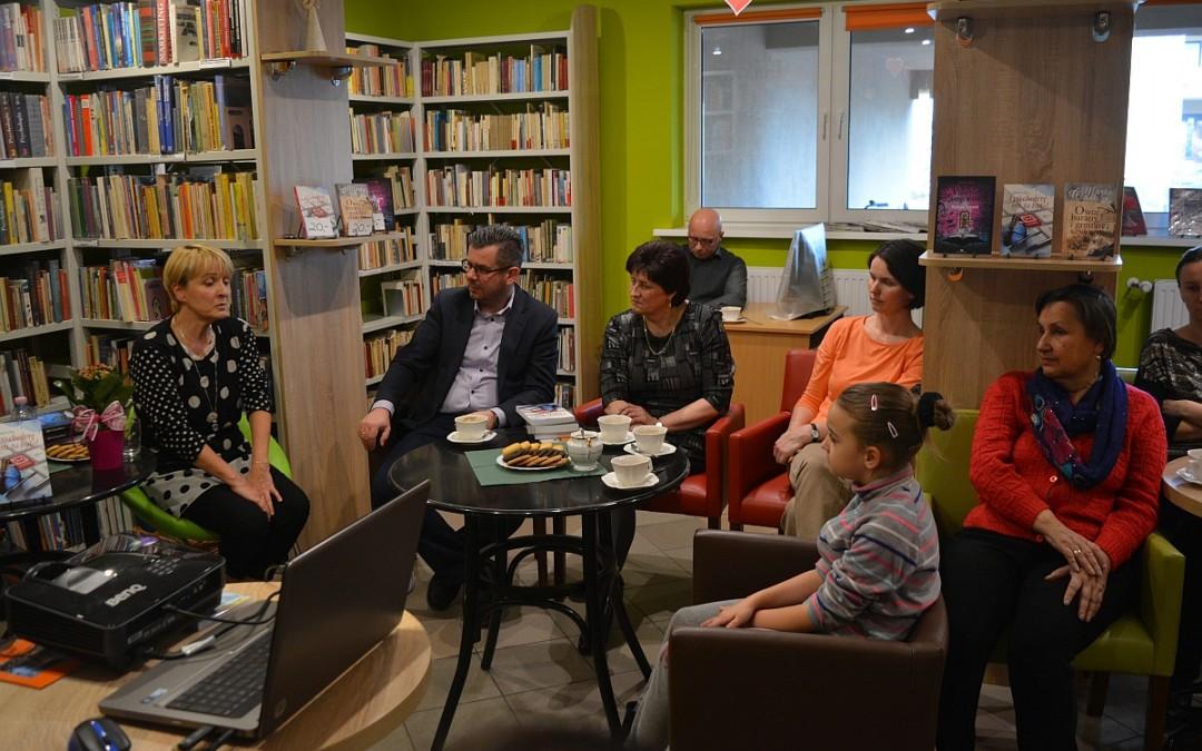 Pozytywne spotkanie autorskie z Ewą Rosolską w GCKiB w Przemęcie