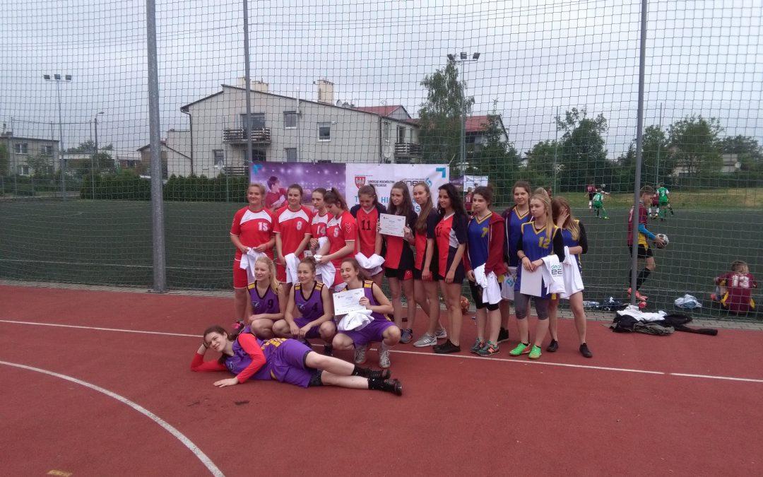 Awans gimnazjalistek z Bucza do Finału Wojewódzkiego w Streetballu