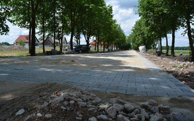 """Zadanie pn. """"Budowa ulicy Konwaliowej  wraz z odwodnieniem i oświetleniem w miejscowości Mochy."""""""