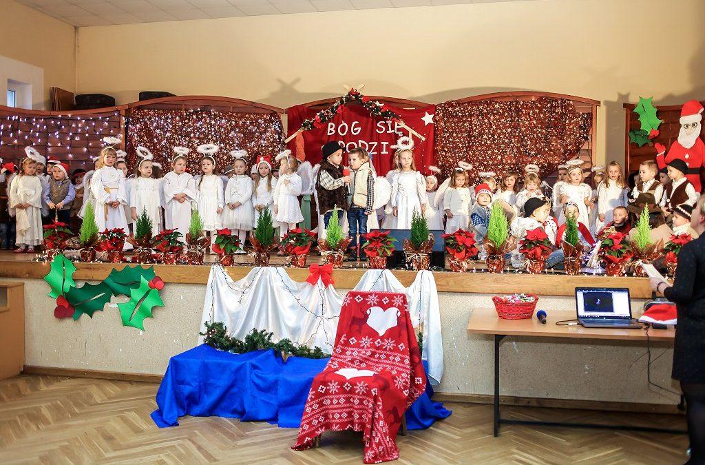 Mikołaj u przedszkolaków w Buczu