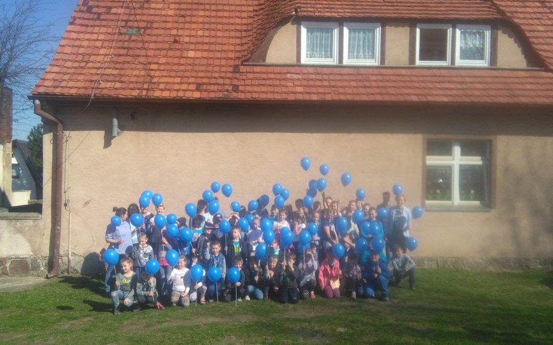 """""""Na niebiesko dla autyzmu"""" w Szkole Podstawowej w Biskupicach"""