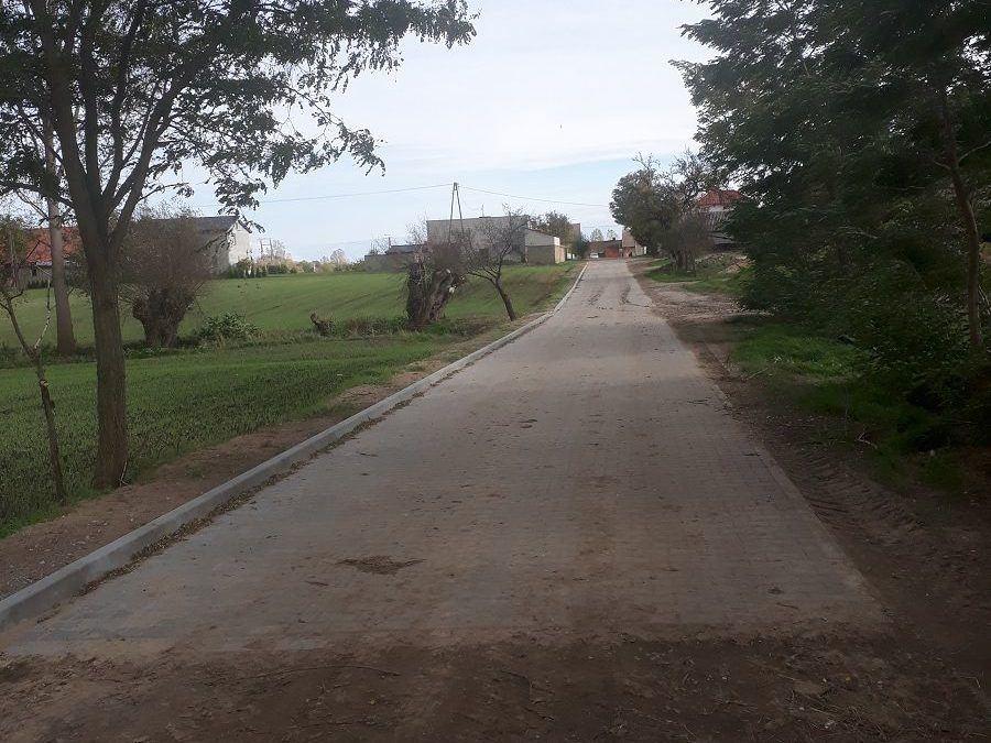 Zakończono przebudowę części drogi gminnej w miejscowości Sączkowo