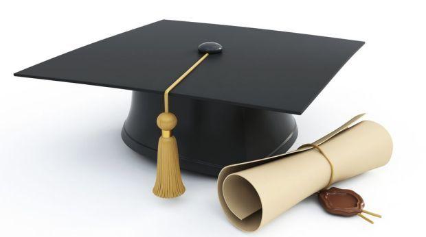 Chcesz studiować? możesz skorzystać ze stypendium 1000zł!