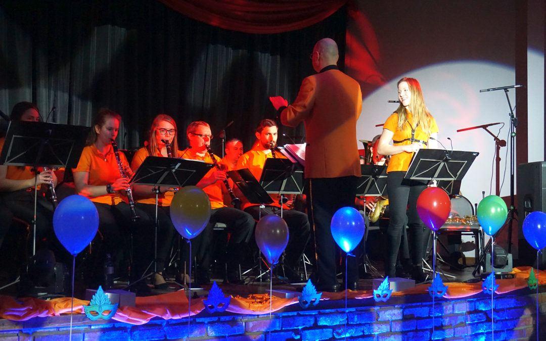 Karnawałowy koncert Młodzieżowej Orkiestry Dętej GCKiB w Przemęcie