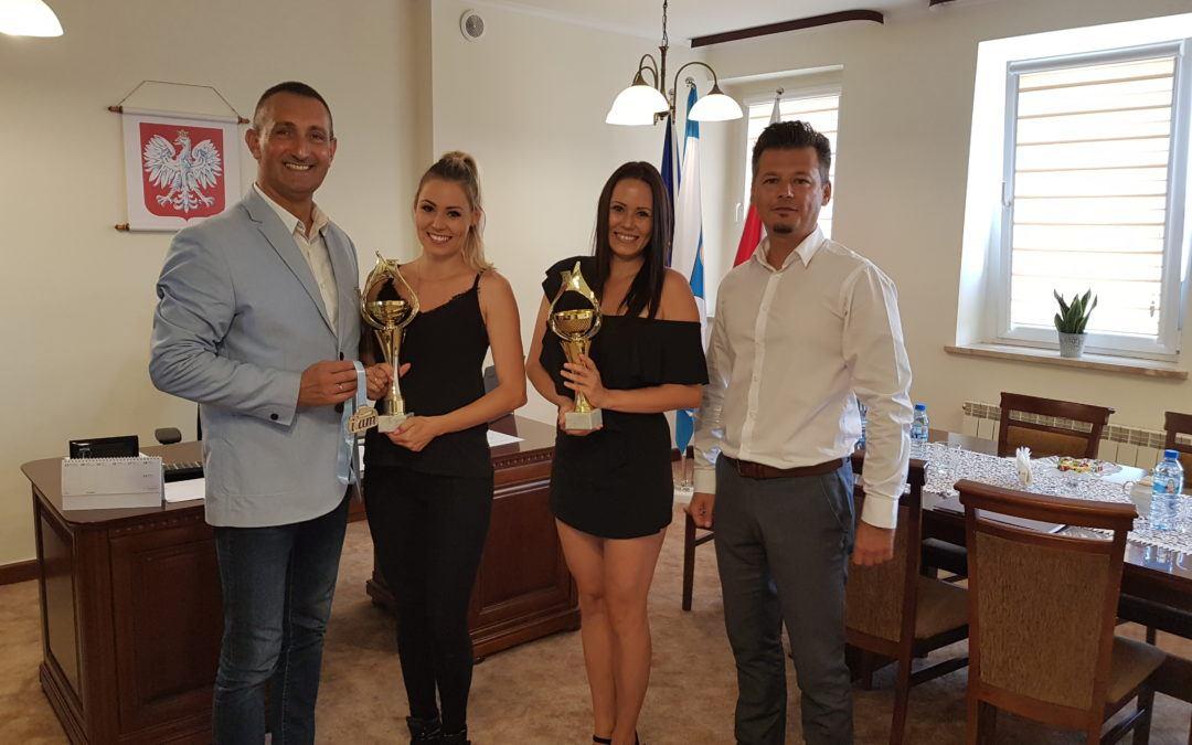 Wizyta trenerek mażoretek VENA u Wójta Gminy Przemęt po spektakularnym sukcesie na Mistrzostwach Europy na Węgrzech
