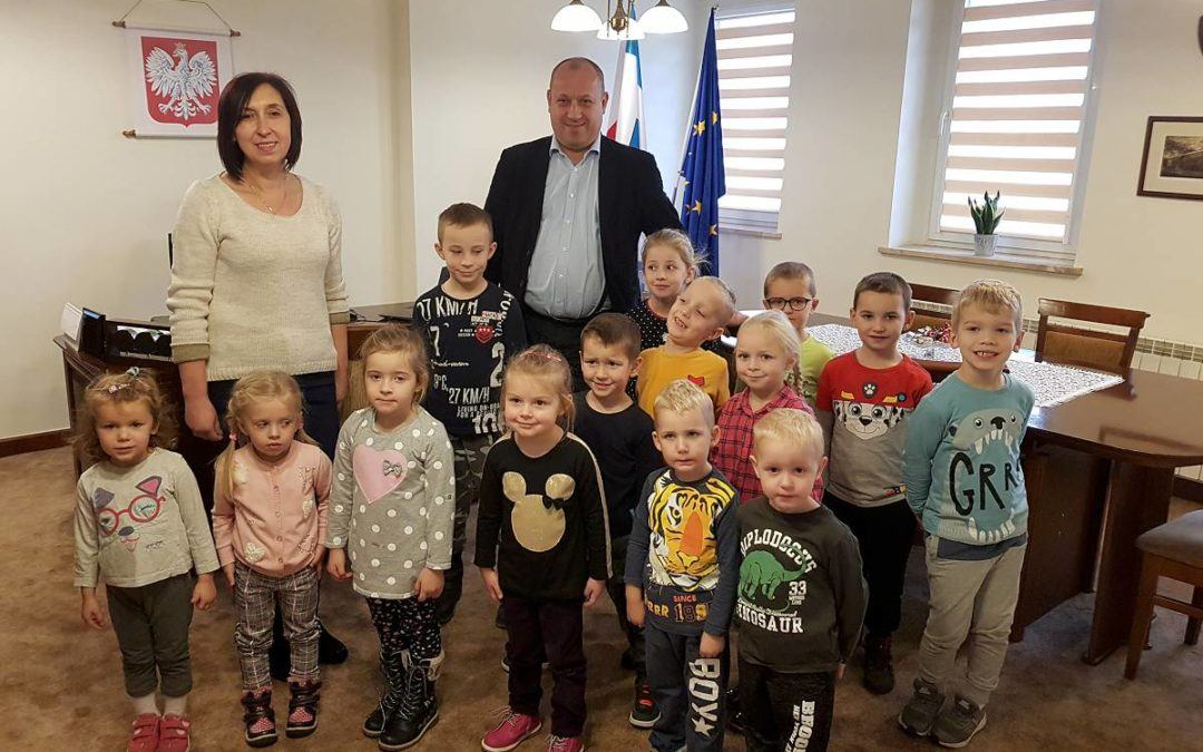 Przedszkolaki z Perkowa w Urzędzie Gminy Przemęt