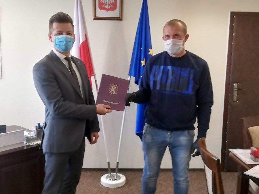 """Podpisanie umowy na zadanie """"Przebudowa ścieżki rowerowej Przemęt- Perkowo"""""""